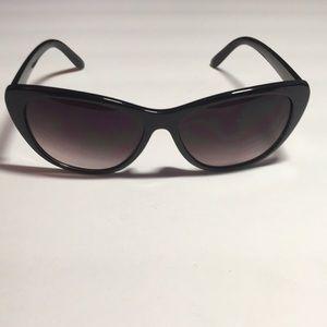 Accessories - Cateye sunglasses